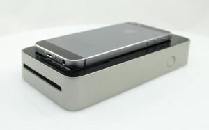 SnapJet mit aufliegendem Smartphone