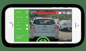 Die dazugehörige App auf dem Smartphone gibt Hinweise für ein sicheres Fahren
