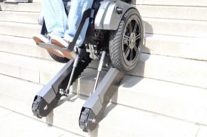 Der Scalevo Rollstuhl auf der Treppe