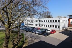 Das Bürogebäude, das zum Batteriespeicher umgebaut wird (Bild: M5BAT)