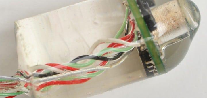 Verdaubarer Sensor des MIT, der Herz- und Atemfrequenz aus dem Magen-Darm-Trakt heraus aufzeichnet (Bild: Albert Swiston/MIT Lincoln Laboratory)