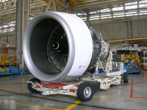 Flugzeug-Triebwerk im Monatgeprozess
