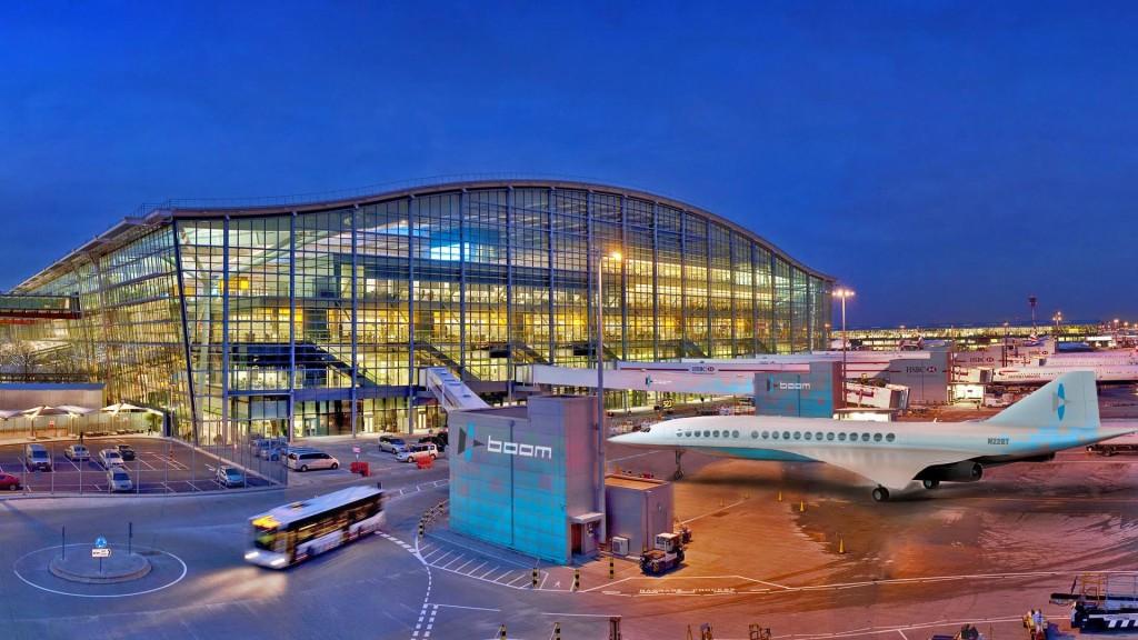 Konzept eines Boom Überschall-Passagierflugzeugs am Terminal des Flughafens London Heathrow. (Bild: Boom)